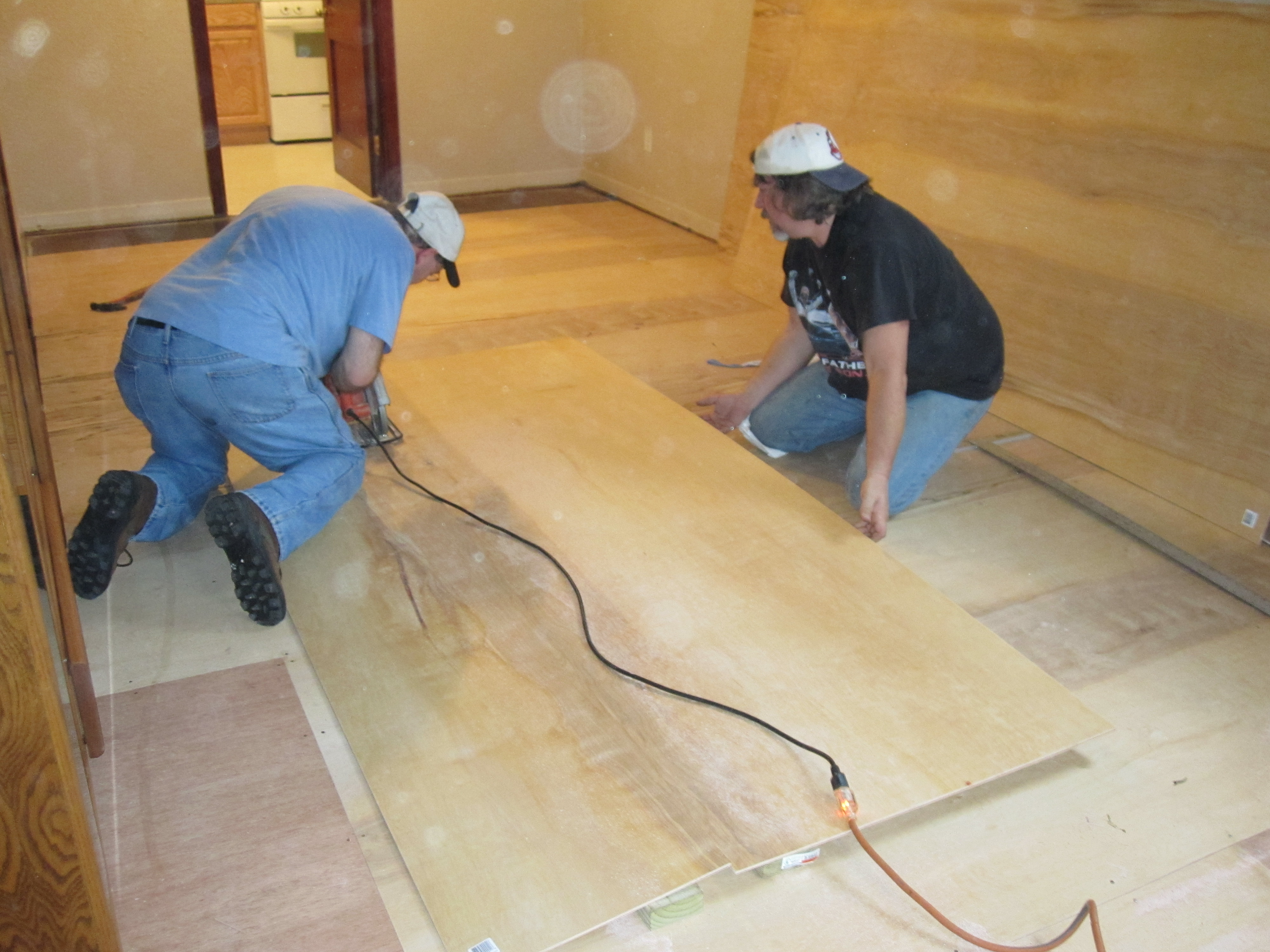 ... Finished Luan Floor · Installing · Laying A Luan Suloor ...